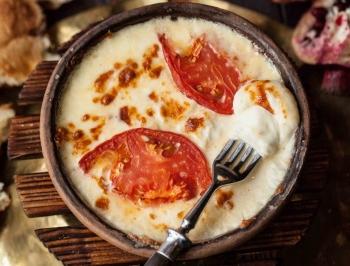 запченный сыр сулугуни